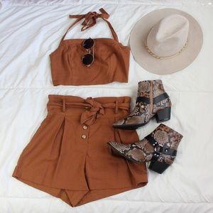 🚨//The Ellarose// Rust brown shorts
